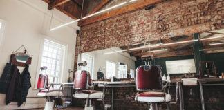 Fryzjer, czy barber - czyli kto lepiej zadba o mężczyzn