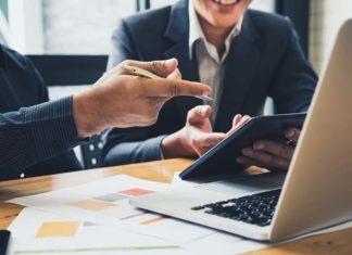 Księgowość dla firm – na co zwrócić uwagę przy podejmowaniu współpracy z biurem rachunkowym?